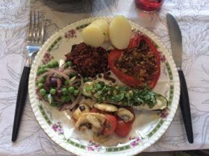クリスマスランチ:パプリカとズッキーニとマッシュルームの野菜ソースがけ
